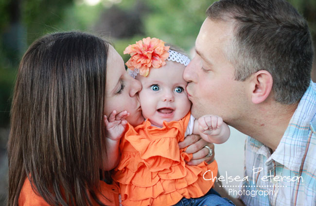 kissing-baby-face-photography
