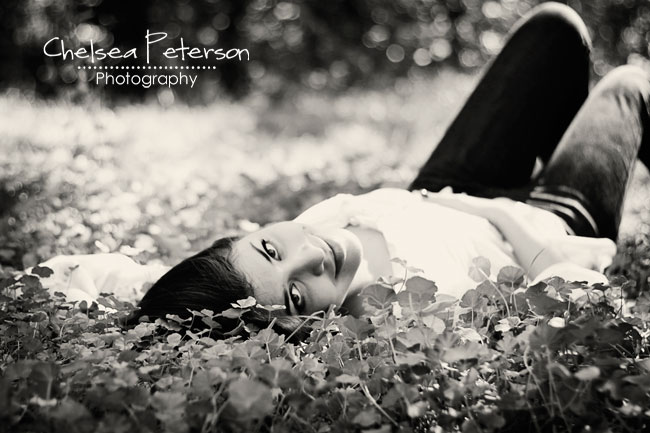 senior picture in grass